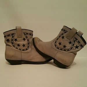 Golden Goose embroidered star ankle boots