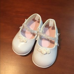 Other - Sweet White Patent Leather Baby Shoes