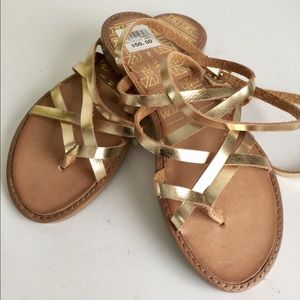 NWT Chinese Laundry Strappy Sandals