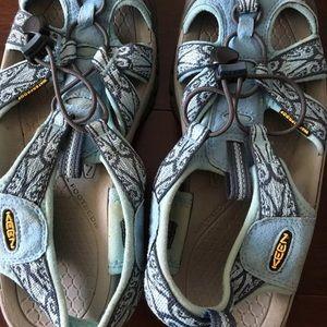 Keen women's water sandals size 8.5