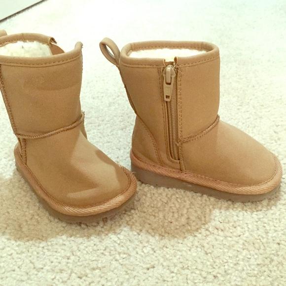 8d1f45d92 GAP toddler girl winter boot