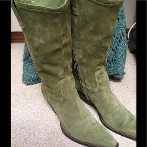Gorgeous BCBG Western Style Olive Suede Boots!