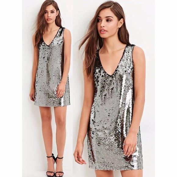 69049c90624 Forever 21 Dresses   Skirts - FOREVER 21 Silver Reversible Sequin Party  Dress