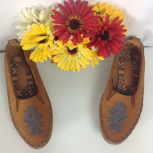 Hush Puppies Pointy Toe Moccasin Style Flats 7.5M