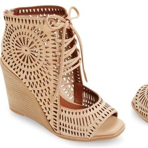 Jeffery Campbell laser cut wedge