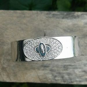 Jewelry - Turnlock Bracelet