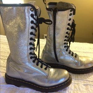 Shoes - Silver metallic tall  Dr. Martens