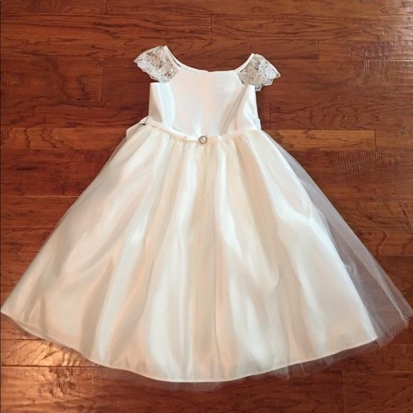 2ee5b2fa28a2 First Communion Dress Size 8. M_59df9d1478b31c92b203c11b
