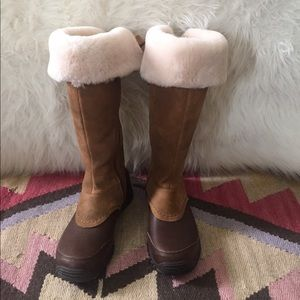 eaf08a2e053 Ugg Miko Weatherproof Boots