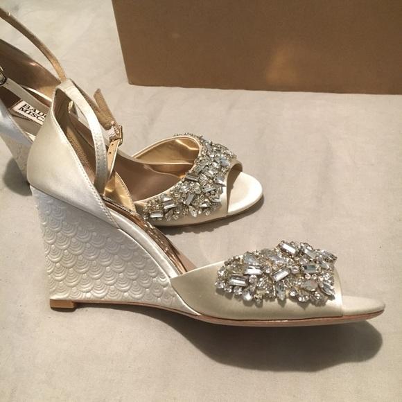 05dcfac8e9ce82 Badgley Mischka Barbara embellished wedge sandals
