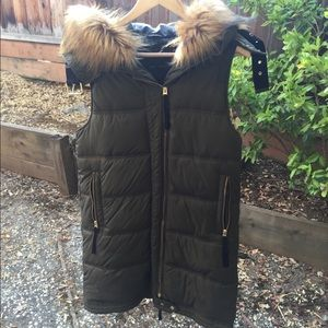 Zara olive green puffy long vest with hood