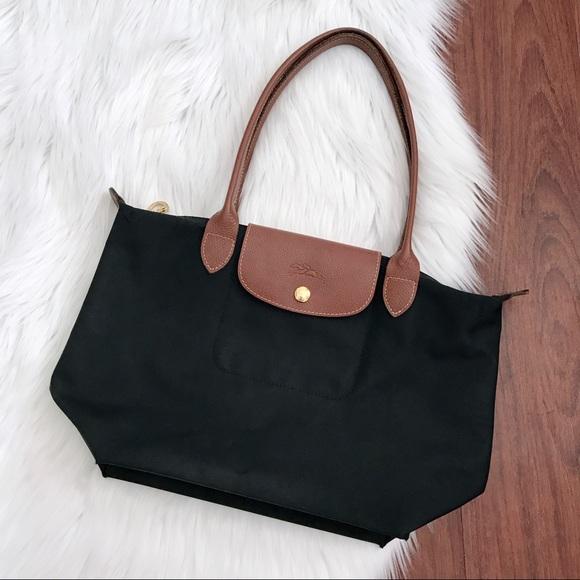 3dfedc3a24a9e Longchamp Handbags - Auth Longchamp Le Pliage Nylon Shoulder Tote Bag