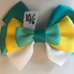 Mad hatter bow