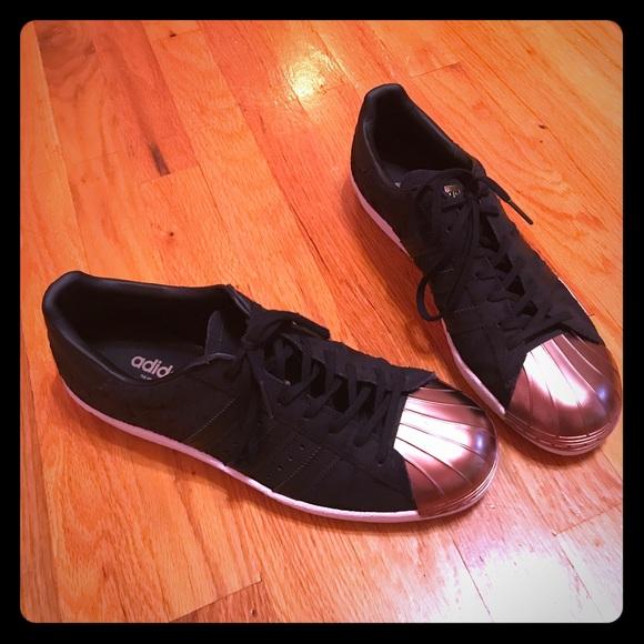 adidas superstar black and bronze