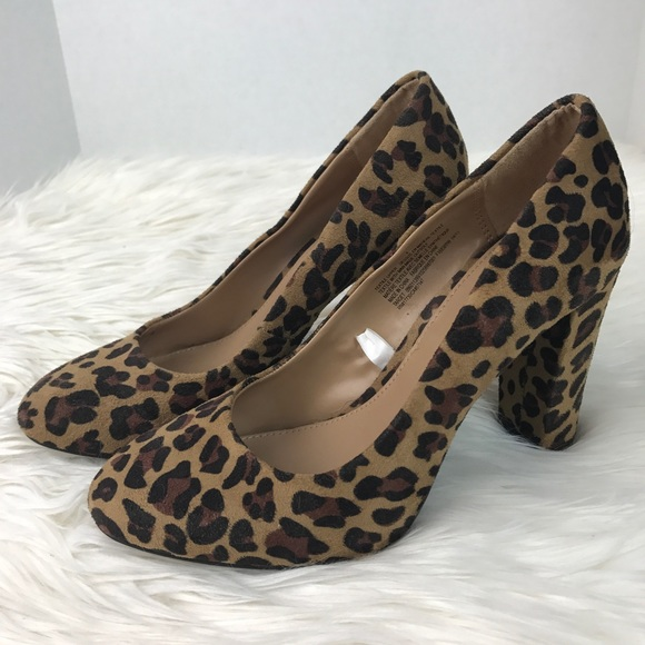 44fbe02279e Merona Target Leopard Print Chunky Heels Pumps. M 59dfa8bd7fab3a67bd03e826