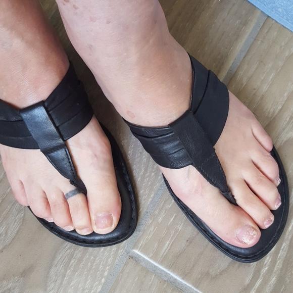 ad0d47ab9d4 Born Shoes - BORN   black leather thong sandals
