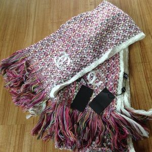 Accessories - Beautiful scarfs
