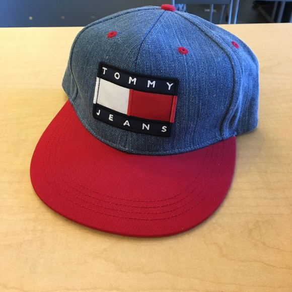 a75b95ebafb SUPER DOPE TOMMY JEANS SNAPBACK. M 59dfb984981829563604168e. Other  Accessories you may like. Rare Tommy Hilfiger Embroidered Strap Back Cap Hat