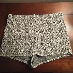 Black and White High Wasted Cotton Shorts