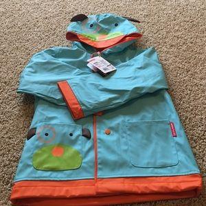 Skip hop rain coat