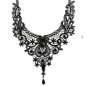 Jewelry - necklace/choker