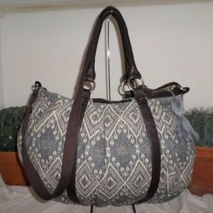 AMERICAN EAGLE OUTFITTERS LARGE SHOULDER BAG