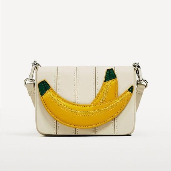 3d2d90c533 Zara mini banana crossbody bag