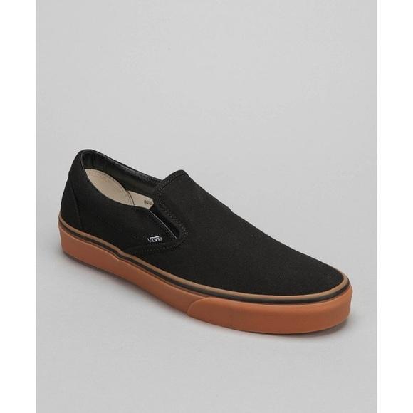 360f00219b35 Slip on Vans (black w  gum sole)