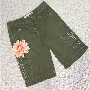 Eddie Bauer 8 tall army green cargo shorts cotton