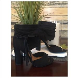 Shoes - NWOT, Black chunky heels!