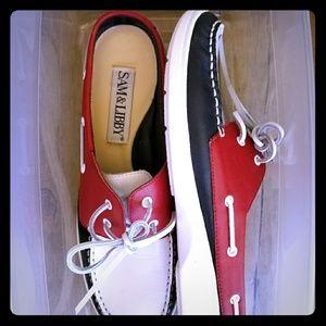 Slip on boat shoes
