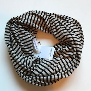 💖FINAL💖Calvin Klein striped knit infinity scarf