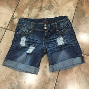 Distressed denim shorts. Size 3. Almost Famous