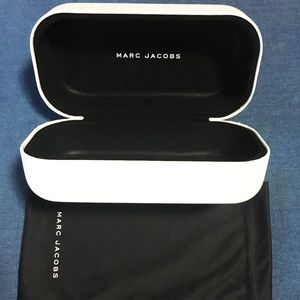 Marc Jacobs sunglasses case with cloth