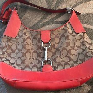 🔥🔥Sale!🔥🔥Melon colored Coach shoulder purse.