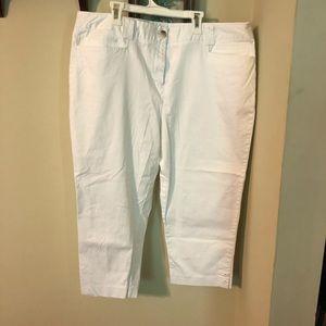 Style & Co White Dress Capris
