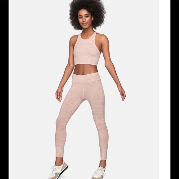 437fe5d1312b3 Outdoor Voices 3/4 tech sweat leggings. M_59dfe10e99086a0c5f00a040