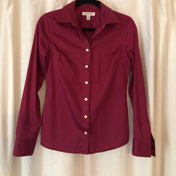 Banana Republic Tops - Banana Republic non-iron fitted shirt Size 0