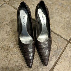 Nine West women's pumps in size 5