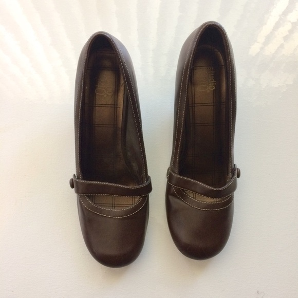 Studio 1940 Shoes - Studio 1940 Brown Kitten Heels Size 10. Heel 2.5""