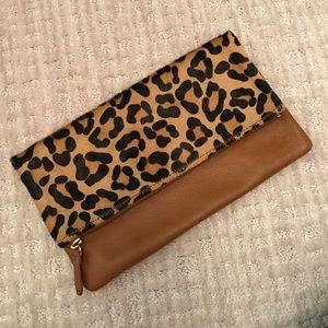 GAP Leopard Clutch