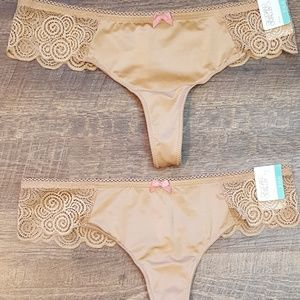 2 Gilligan & O'Malley Small Tan Thongs