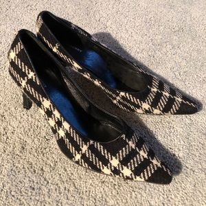 BURBERRY plaid pointy toe heels 11.5