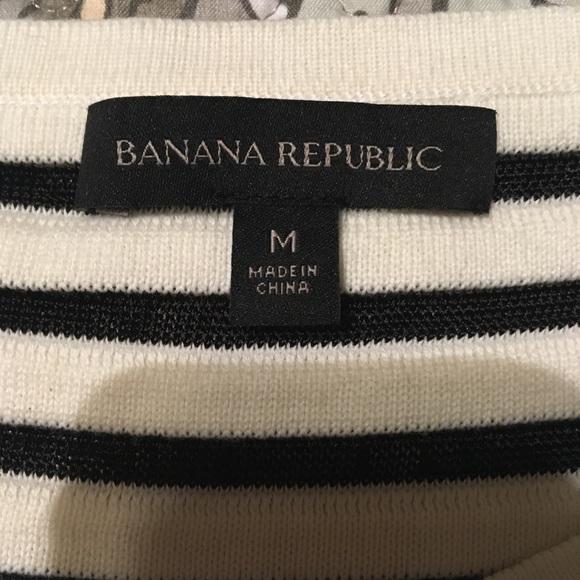 Banana Republic Tops - Banana Republic top. Size M