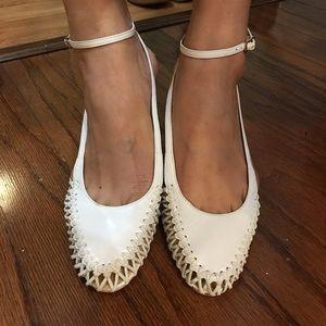 Colin Stuart white leather ankle strap size 8