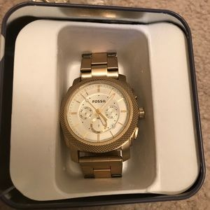Men's gold Fossil Watch in box slightly worn