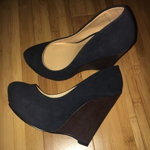 Shoe dazzle navy blue wedges