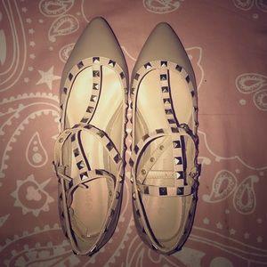 Pointy Toe Shoe