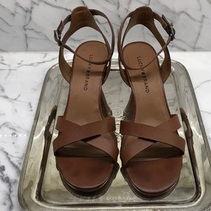 Tan lucky Brand sandals size 8.