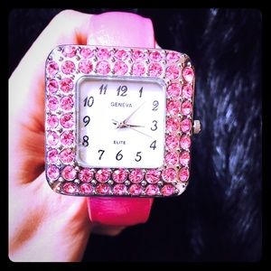 Pink watch with crystals💕⌚️